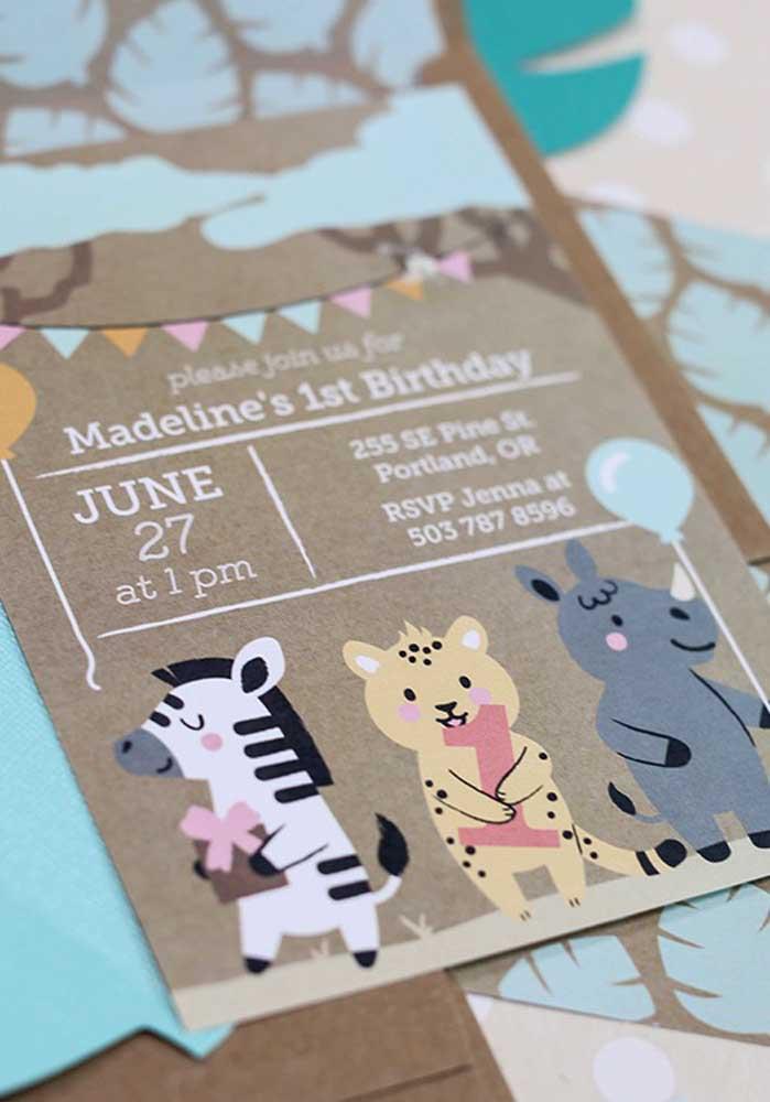 Modelo de convite para festa safari: o papel pardo combinou direitinho com o tema.
