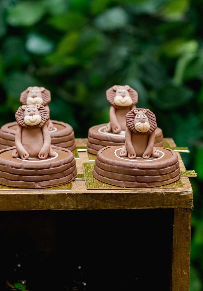 E o que dizer desses leões de chocolate e pasta americana? Irresistíveis!