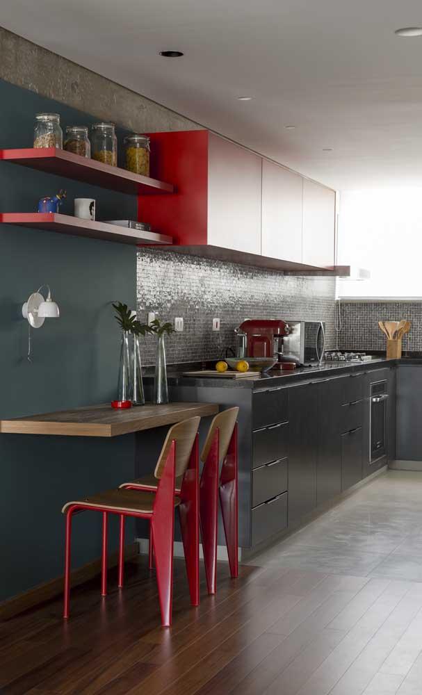 Que tal combinar o granito verde ubatuba com móveis de madeira?