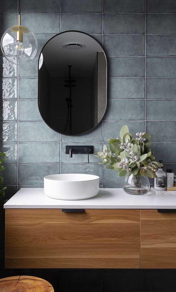 No banheiro, o nanoglass pode ser aplicado na bancada da pia e na própria cuba.