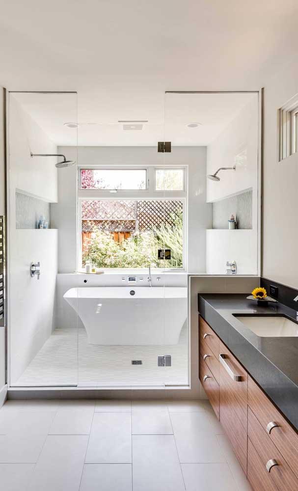 E esse banheiro clean, brilhante, luxuoso e sofisticado?