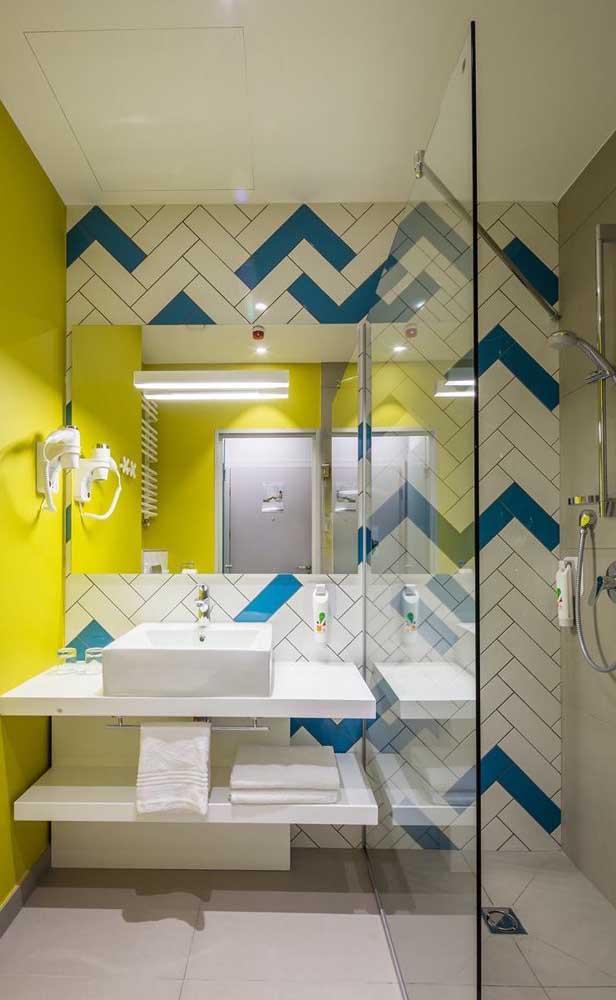 Quer fazer algo mais diferenciado? Use cores mais fortes na parede e combine com nanoglass.