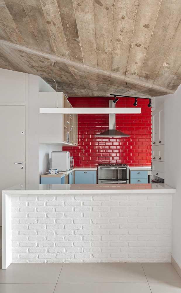 Construa uma bancada diferenciada para colocar na cozinha da sua casa.