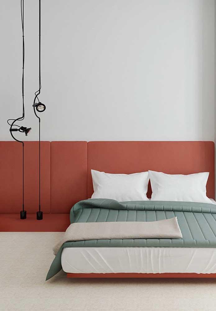 Você pode usar diferentes tons do vermelho para decorar o quarto de casal vermelho.