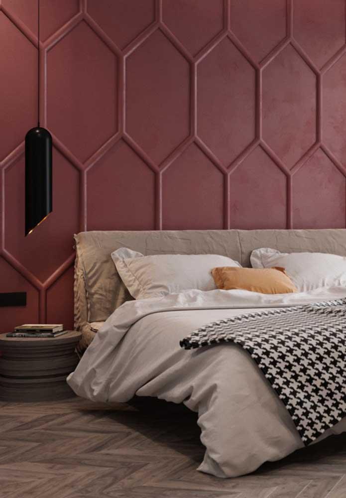 Olha que parede sofisticada, moderna e luxuosa para o quarto de casal.