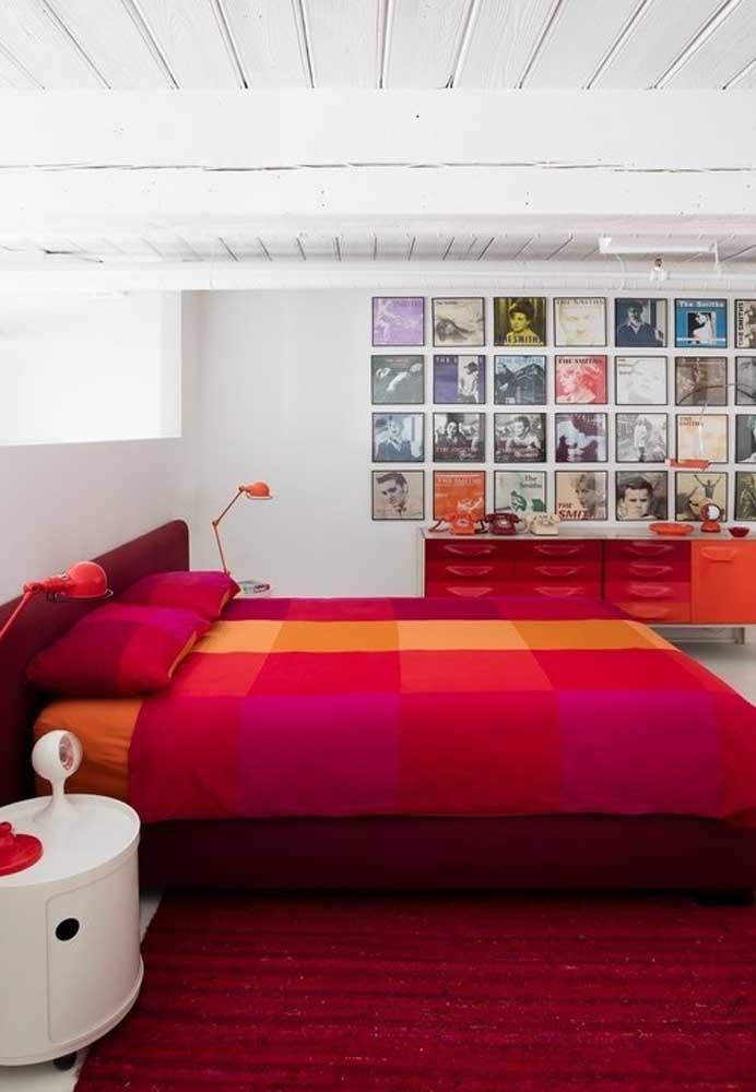 Você pode apostar em cores mais fortes e vibrantes na hora de decorar o quarto.