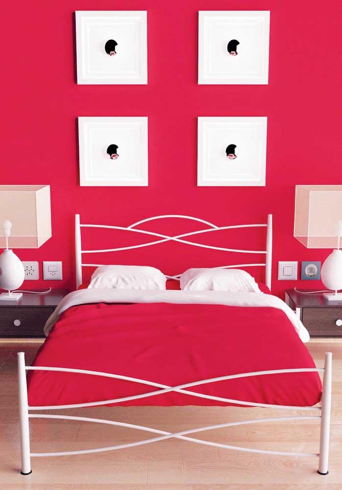 Que tal esse vermelho quase rosa pink para decorar o quarto feminino?
