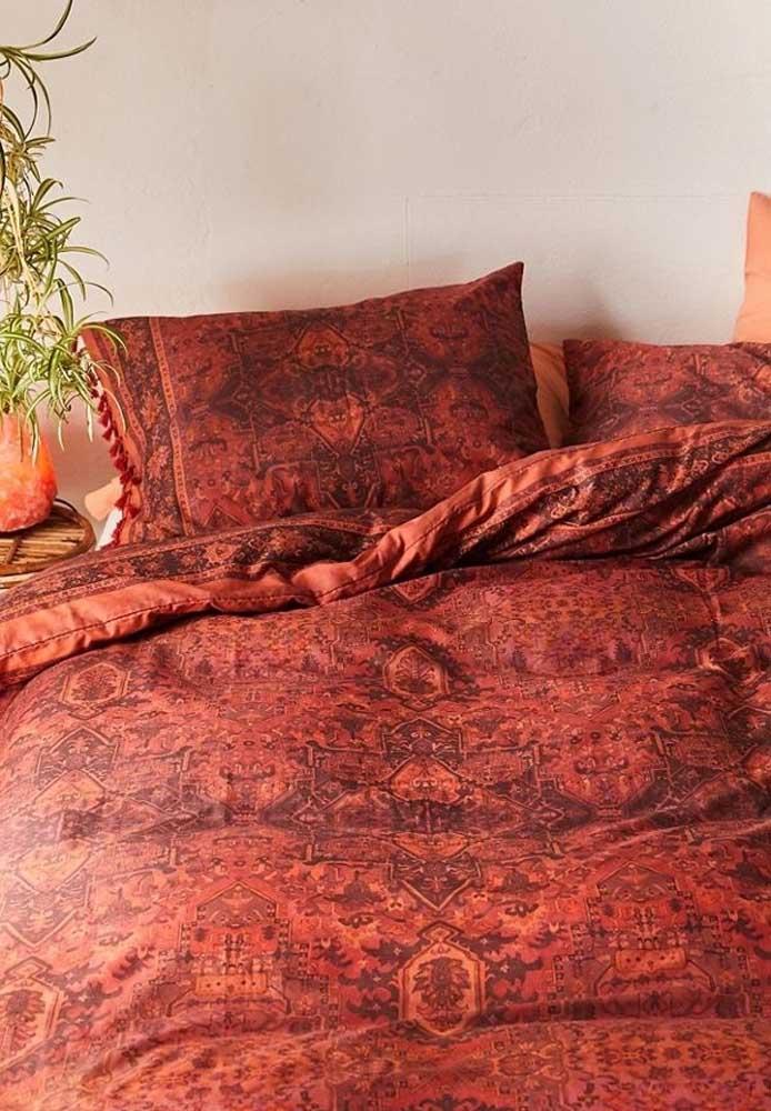 Mas você pode apenas escolher roupas de cama vermelha para compor a decoração.