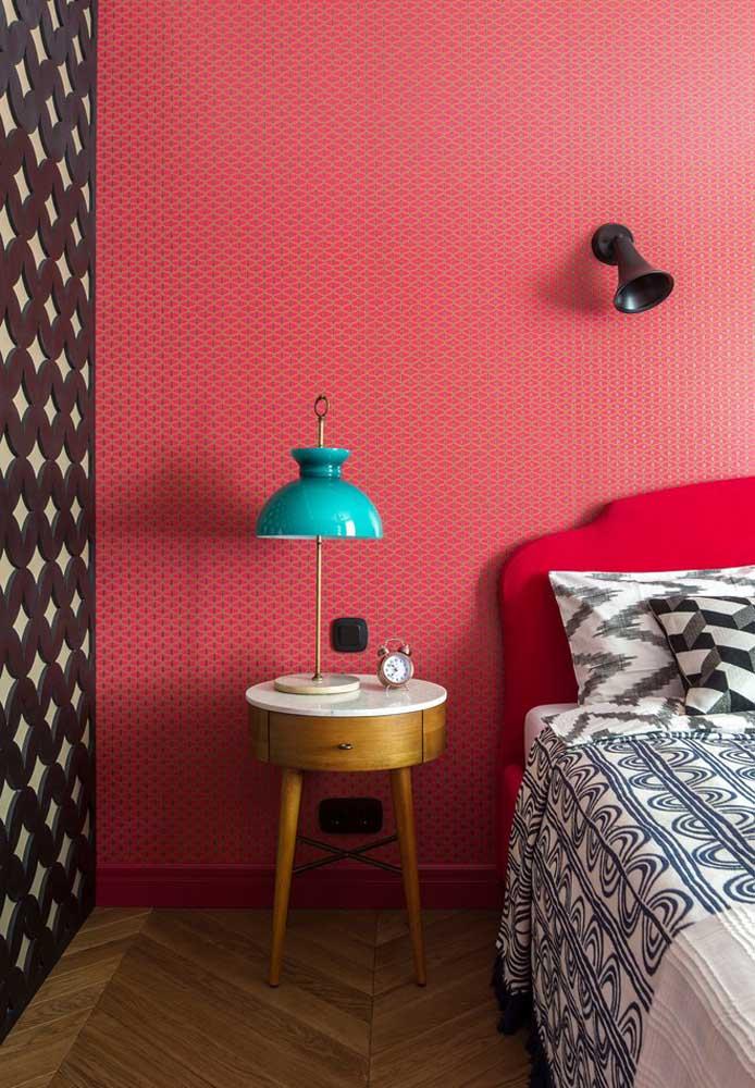 Misture várias cores na hora de fazer a decoração do quarto, ainda mais se você gostar de um espaço mais descontraído.
