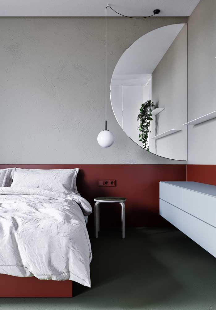 Quer combinar a decoração do seu quarto com as cores vermelha e cinza? Se inspire com esse modelo.