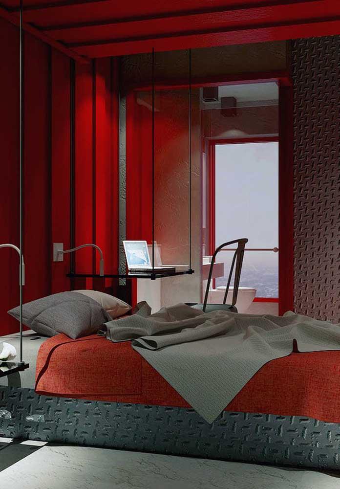 Use a criatividade para pensar na composição dos elementos da decoração do quarto vermelho.