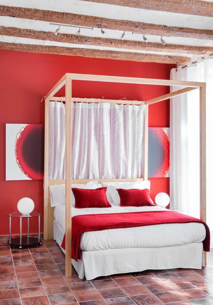 A cor vermelha é a mais escolhida na hora de decorar um quarto no estilo rainha.