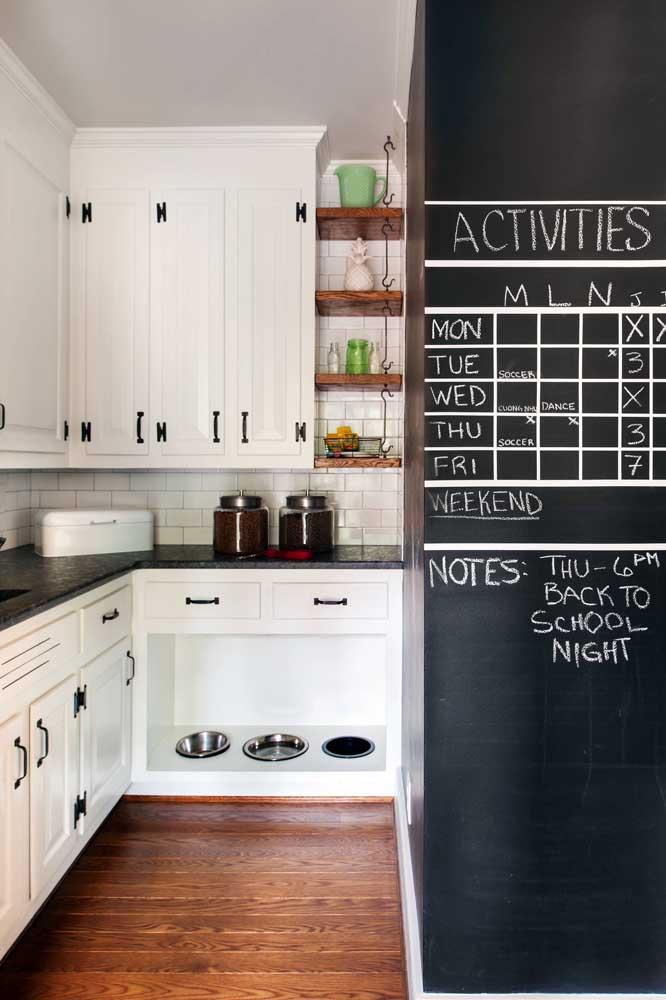 Combine a decoração da cozinha com a tinta lousa.