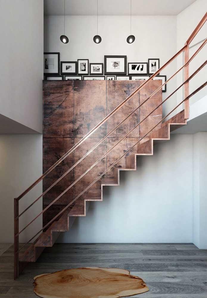 O revestimento aço corten ficou perfeito na combinação de parede e escada.