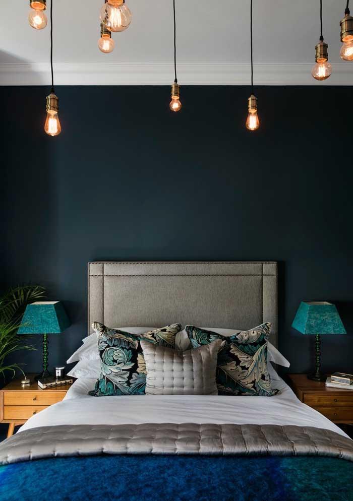 Combine as capas das almofadas com a escolha do conjunto de cama.