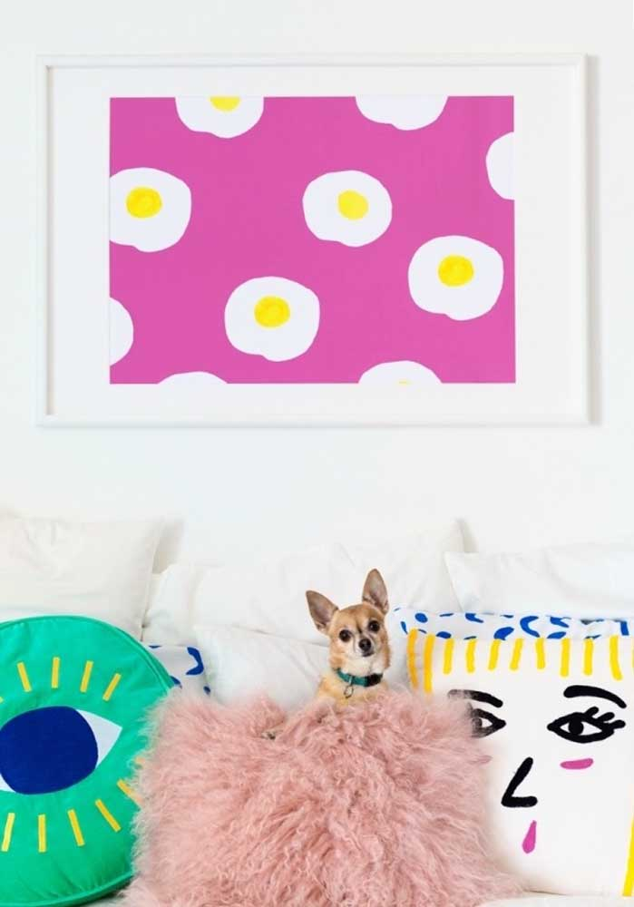 Se você é um amante das artes, decore sua casa com acessórios inspirados nesse estilo.