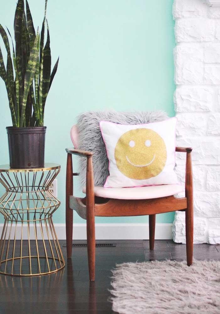 Deixe o ambiente mais descontraído com as almofadas divertidas.