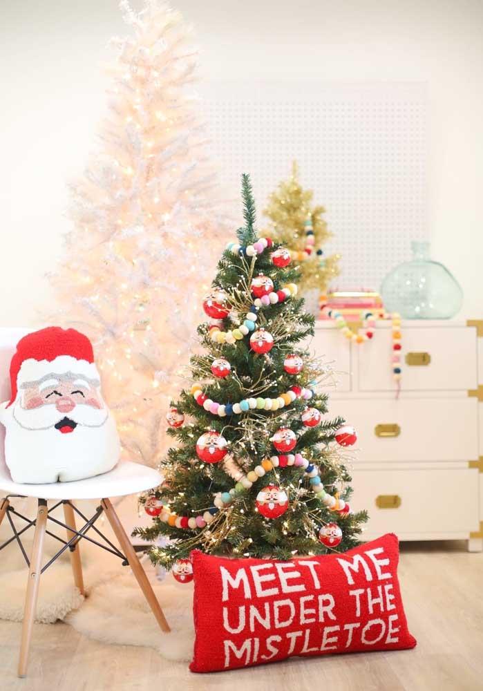 Prepare a decoração de natal da sua casa e não deixe de usar almofadas personalizadas.