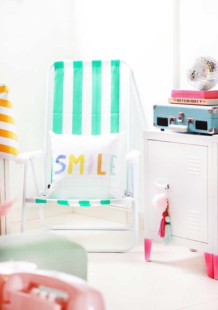 Apostar em objetos coloridos é a melhor forma de deixar o ambiente mais descontraído.