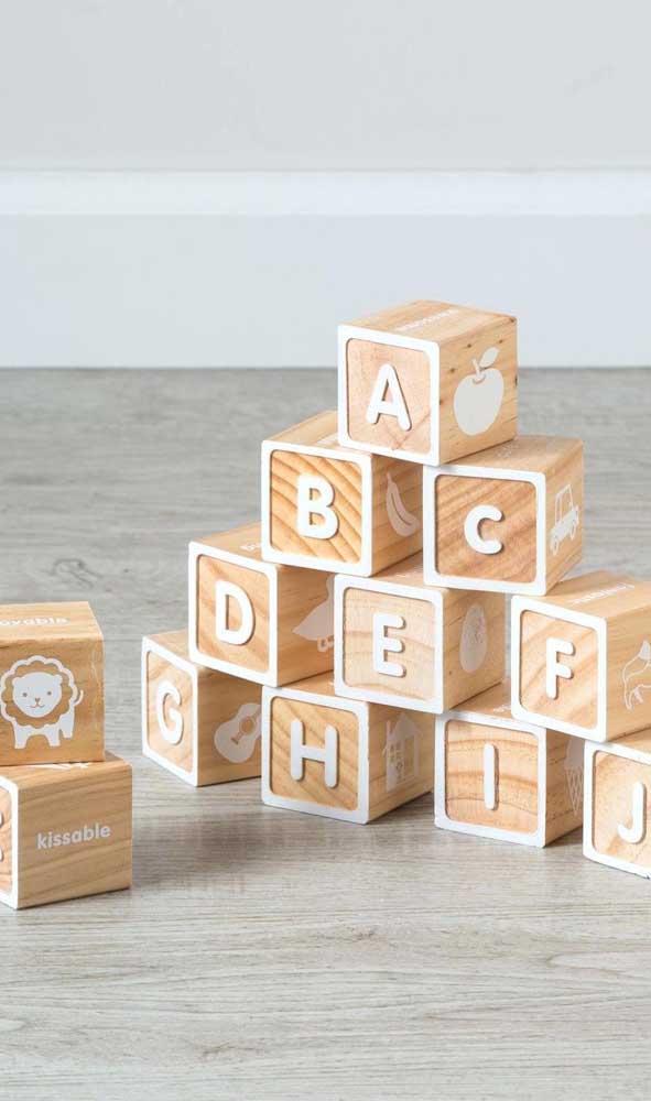Com MDF você pode fazer brinquedos simples e inteligentes para seu filho.