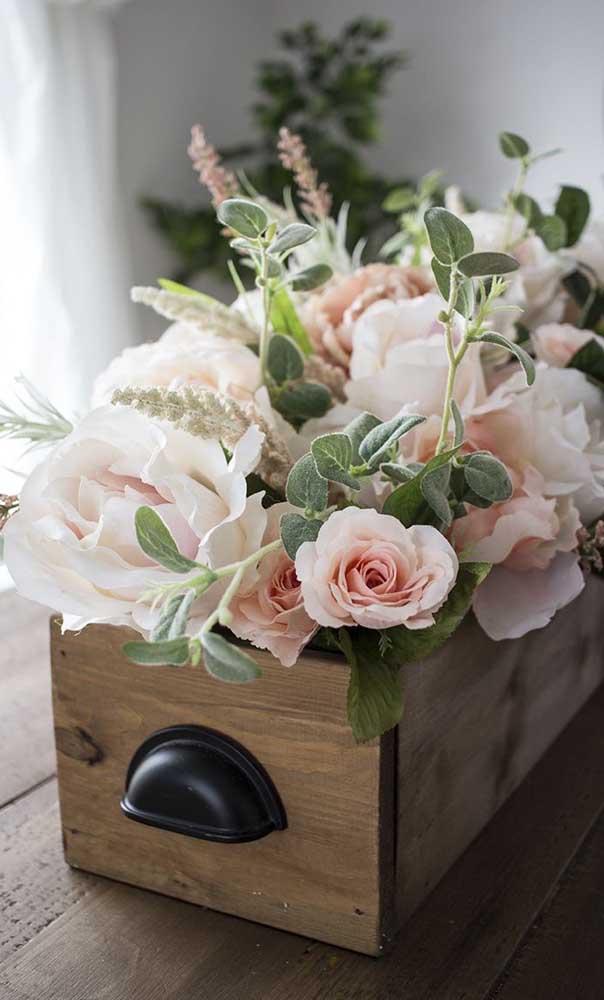 Que tal fazer esse vaso de flores?