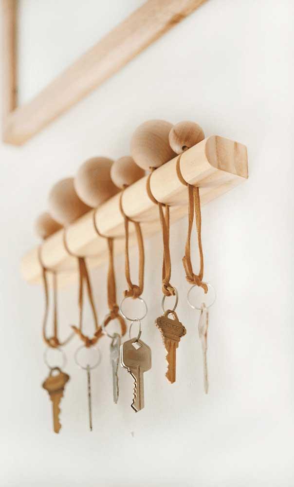 Coloque um porta chaveiro na sua casa para nunca mais perder suas chaves.