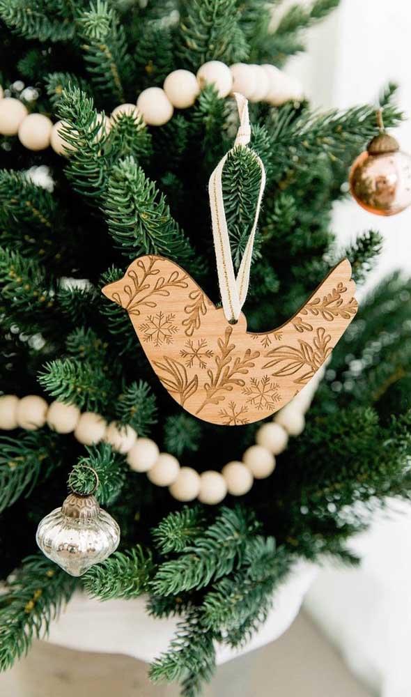 Já pensou em fazer artesanato em MDF para pendurar na árvore de natal?