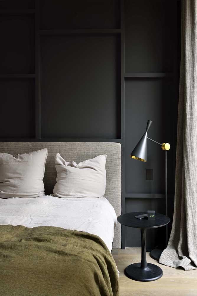 A moldura no formato quadrado ou retangular é a ideal para ter um Boiserie moderno.
