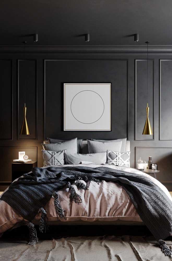 Decore a cabeceira da cama com a moldura Boiserie.
