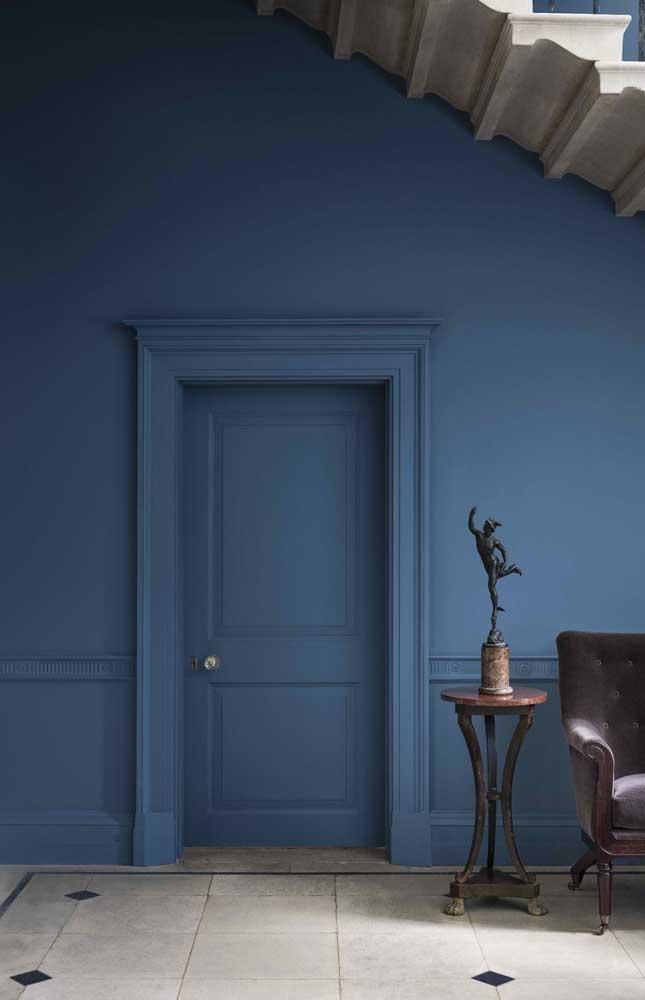 Que tal fazer o Boiserie na moldura da porta?