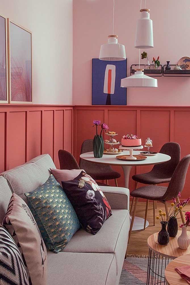 O Boiserie meia parede pode ser pintado com uma cor diferente.