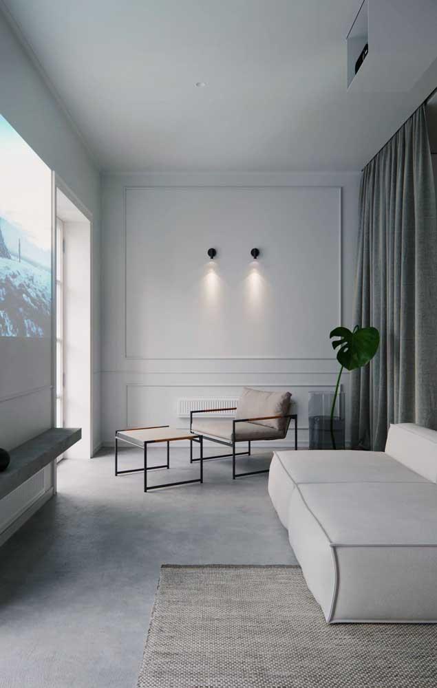 Uma simples iluminação pode ser suficiente para destacar uma parede com Boiserie.