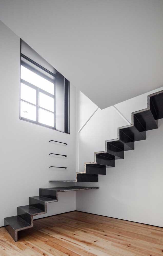 O carpete de madeira da sua casa pode ter uma cor completamente diferente dos demais elementos do ambiente.