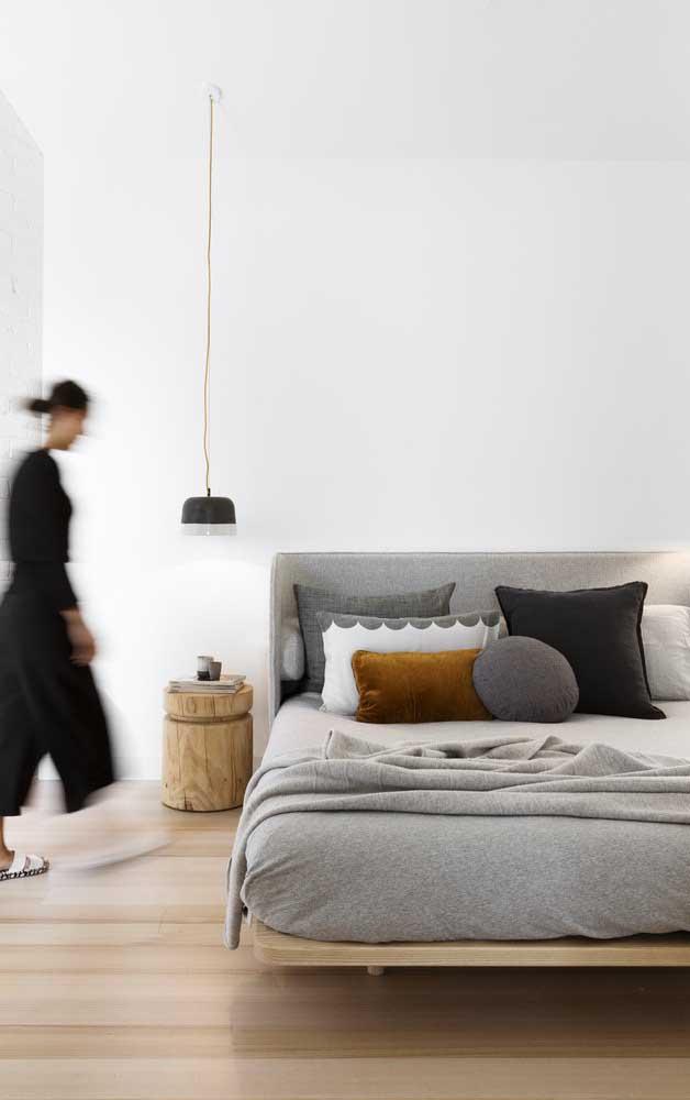 O carpete de madeira pode deixar seu quarto mais moderno.