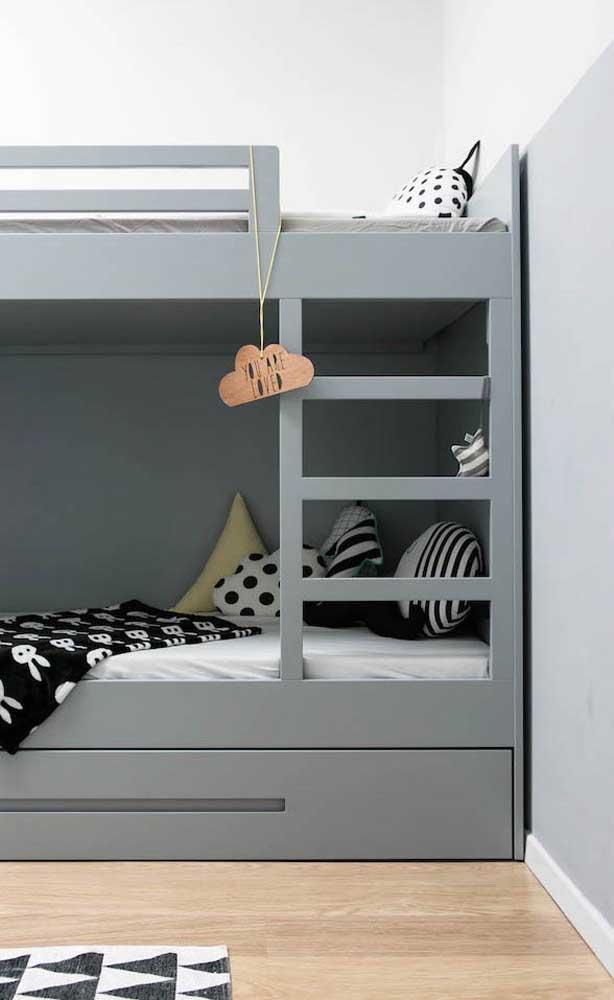 O carpete de madeira é perfeito para quartos de crianças.