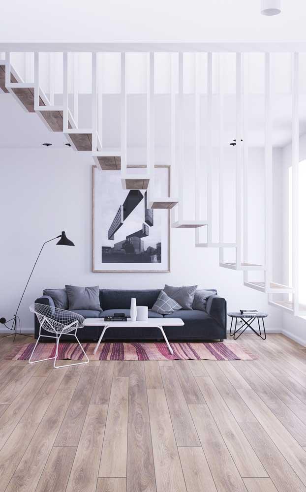 O piso carpete de madeira deixa qualquer ambiente mais elegante.