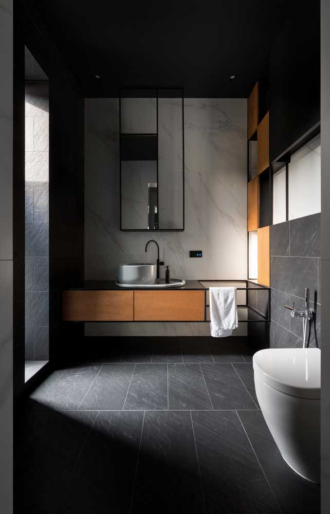A cuba de apoio para banheiro deixa o ambiente mais moderno.