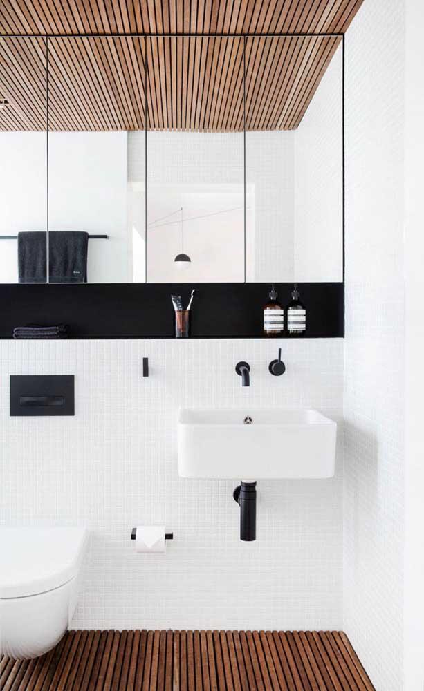 A cuba para banheiro quadrada pode ser usada tanto em banheiros grandes quanto menores.