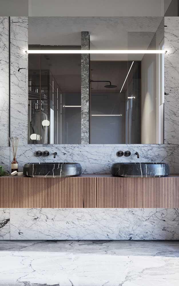 É incrível como uma cuba para banheiro preta deixa o ambiente mais moderno.