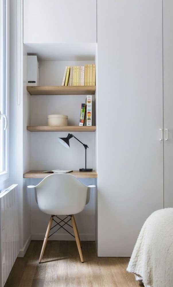 Quem não tem muito espaço, deve optar pelo escrivaninha para quarto pequeno adaptado para mínimas áreas.