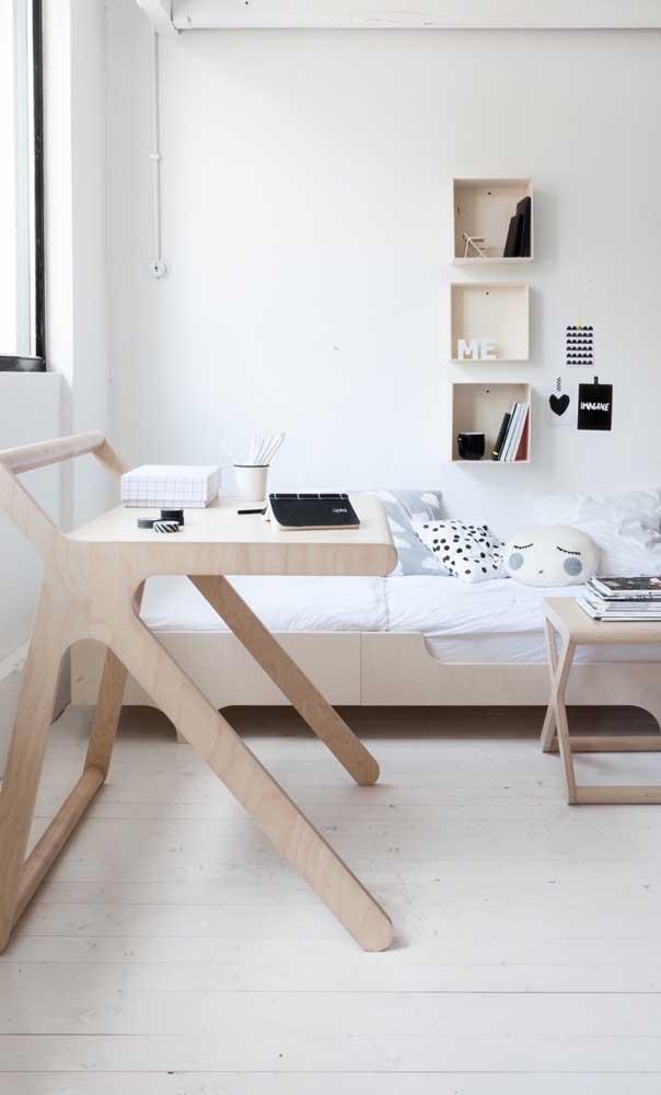 Olha que modelo diferenciado de escrivaninha para quarto de menina.