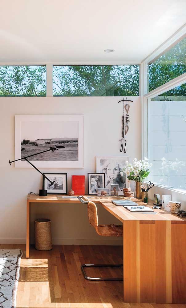 Veja que mesa escrivaninha para quarto perfeita para trabalhar.