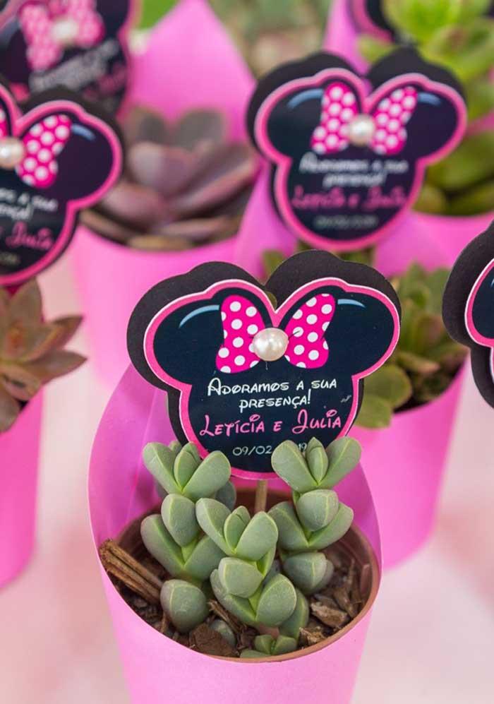 Quer presentear seus convidados com algo diferente? Que tal essa lembrancinha da Minnie?