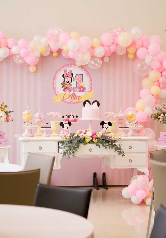 Que tal comemorar o primeiro aninho na festa Minnie baby?