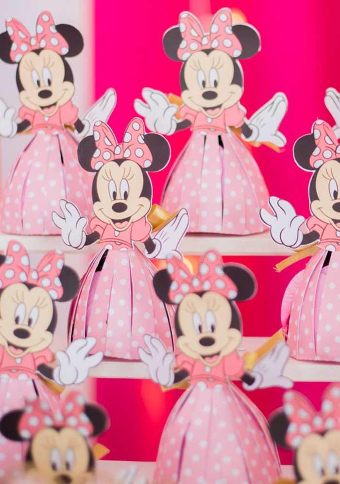 Use a criatividade para preparar itens decorativos para o aniversário da Minnie.