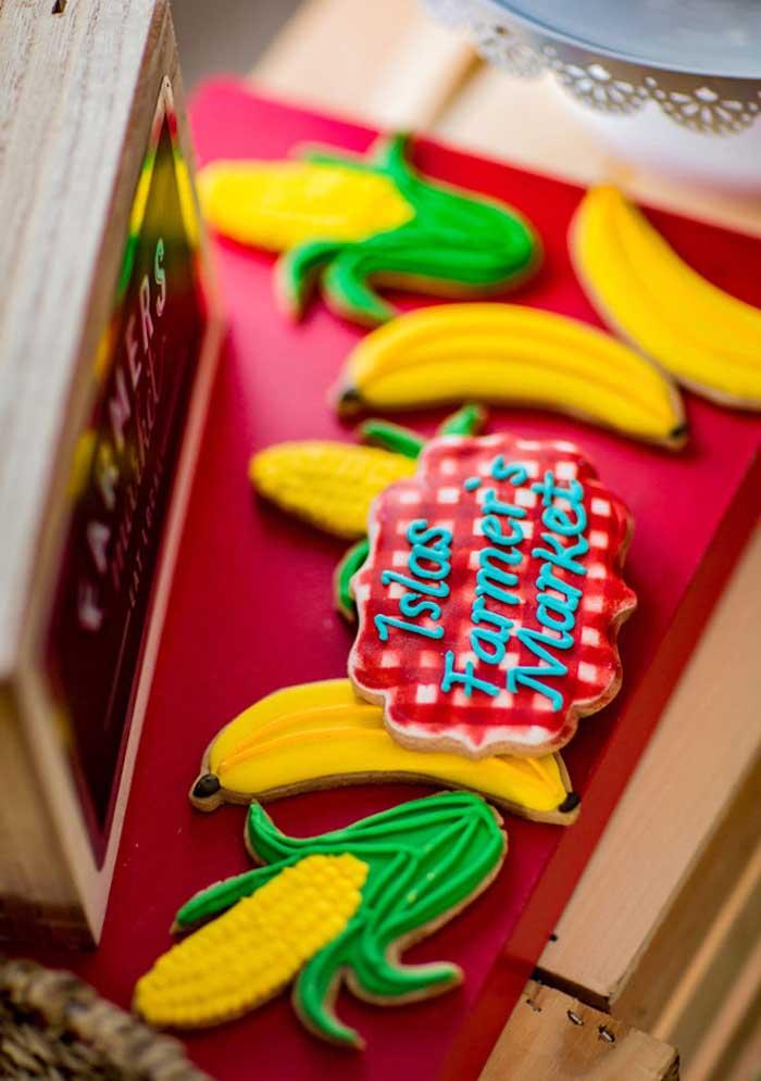 Olha a delicadeza na hora de fazer docinhos e guloseimas personalizados de acordo com o tema da festa.