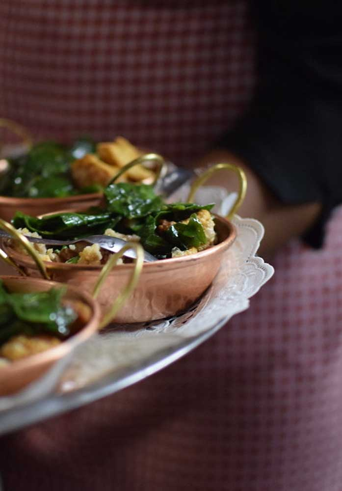 Você pode escolher comidinhas mais sofisticadas para o cardápio fazendinha.