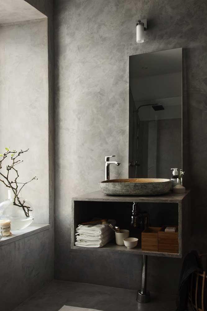 No banheiro você pode apostar no marmorato cinza.