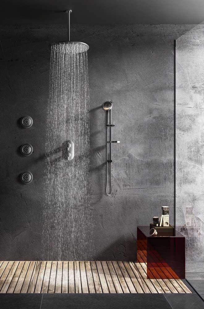 No banheiro o efeito do marmorato preto é realmente espetacular.