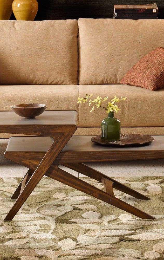 A mesa de madeira dobrável pode ser perfeita para o centro da sala.